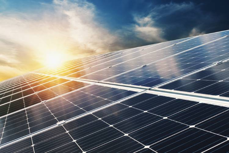 Photovoltaik-Solar-Anlage-Wallbox-Elektroauto-Laden